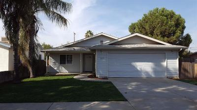 Tulare Single Family Home For Sale: 617 S F Street