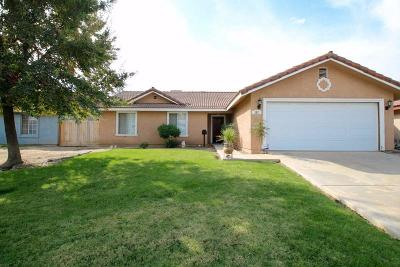 Dinuba Single Family Home For Sale: 287 N Lyndsay Way