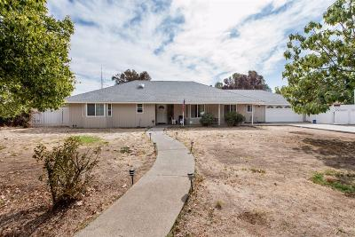 Madera Single Family Home For Sale: 36712 Orange Grove Avenue