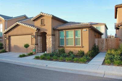 Fresno Single Family Home For Sale: 6158 W Bennington Drive