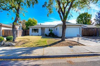 Clovis Single Family Home For Sale: 1703 Burgan Avenue