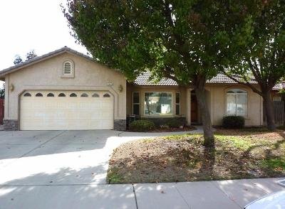 Selma, Kingsburg Single Family Home For Sale: 2521 Hillcrest