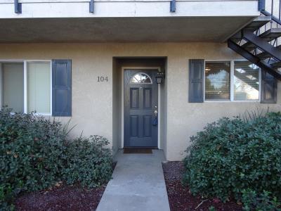 Fresno Condo/Townhouse For Sale: 3739 W Bullard Avenue #104