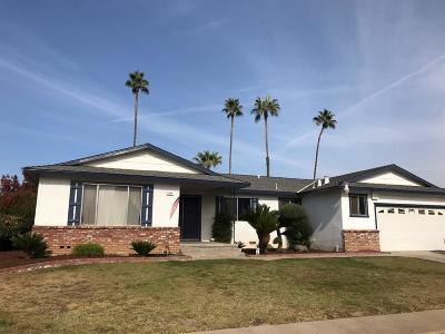 Fresno Single Family Home For Sale: 1664 W Menlo Avenue