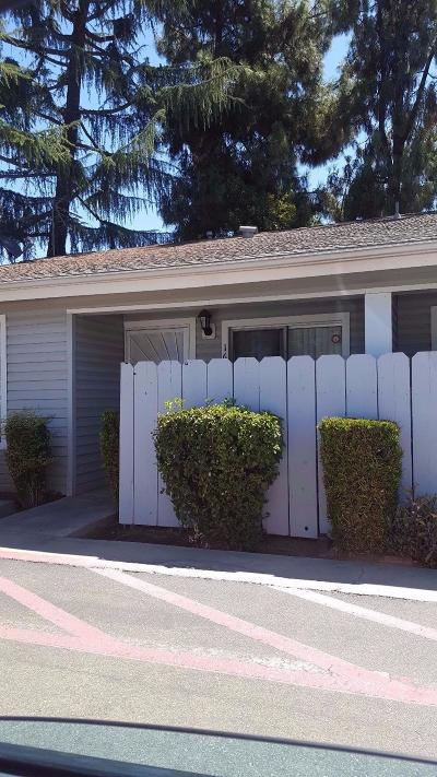Fresno Condo/Townhouse For Sale: 303 E Bullard Avenue #161