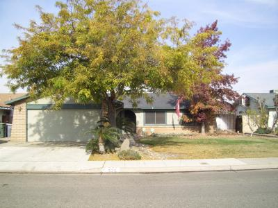 Clovis Single Family Home For Sale: 535 W Antonio Drive