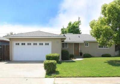 Clovis Single Family Home For Sale: 426 W Twain Avenue