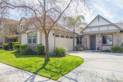 Kingsburg Single Family Home For Sale: 1486 Azalea Street