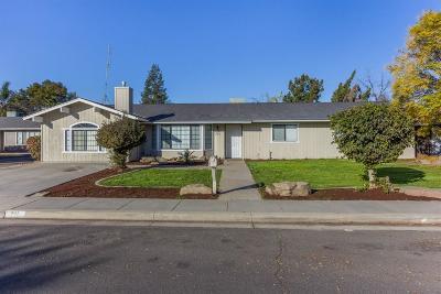 Kingsburg Single Family Home For Sale: 711 Roosevelt Street