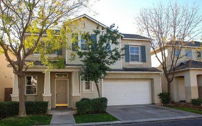 Clovis Single Family Home For Sale: 772 W Barcelona Lane