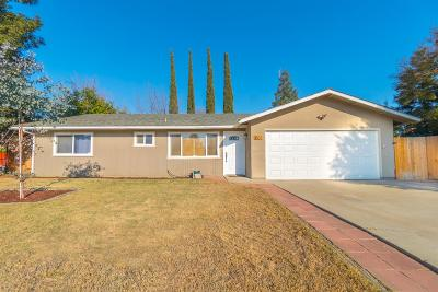 Visalia Single Family Home For Sale: 1804 S Tipton Court