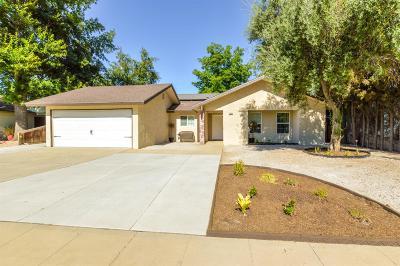 Clovis Single Family Home For Sale: 1241 Fordham Avenue