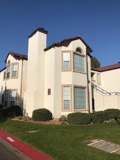 Fresno Condo/Townhouse For Sale: 8153 N Cedar Avenue #130