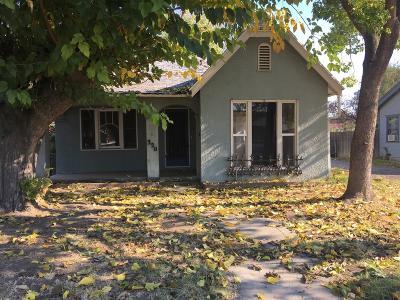 Visalia Single Family Home For Sale: 320 N Hall Street