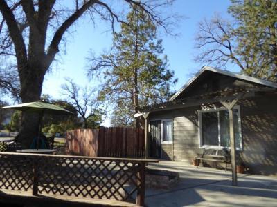 Oakhurst CA Single Family Home For Sale: $235,000