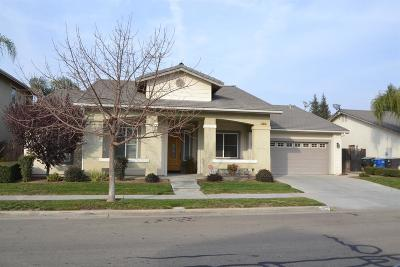 Reedley CA Single Family Home For Sale: $309,950