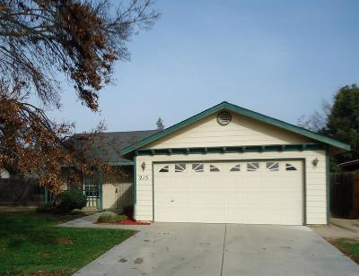 Kingsburg CA Single Family Home For Sale: $229,900