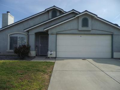 Selma CA Single Family Home For Sale: $210,000
