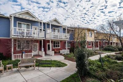 Fresno Condo/Townhouse For Sale: 2658 E Alluvial Avenue #213