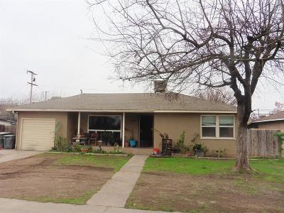 Fresno Single Family Home For Sale: 1413 W Saginaw Way