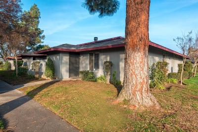 Fresno Condo/Townhouse For Sale: 4504 N Valentine Avenue #115