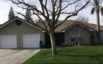 Kingsburg CA Single Family Home For Sale: $335,000