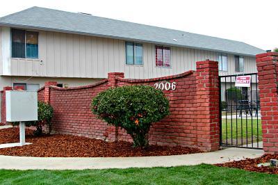 Fresno Multi Family Home For Sale: 2006 N 1st Street