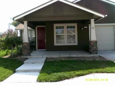 Reedley CA Single Family Home For Sale: $280,000