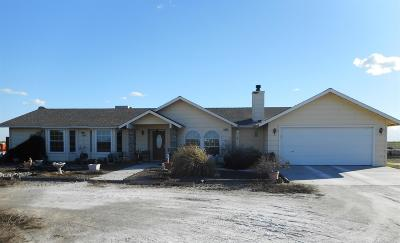 Stratford CA Single Family Home For Sale: $300,000