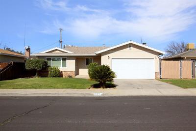 Clovis Single Family Home For Sale: 583 W Pico Avenue