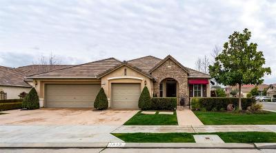 Clovis Single Family Home For Sale: 1813 N Graybark Avenue