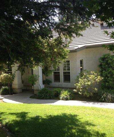 Kingsburg CA Single Family Home For Sale: $329,000