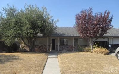 Reedley CA Single Family Home For Sale: $218,000