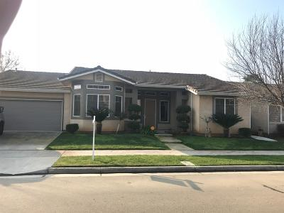 Reedley CA Single Family Home For Sale: $294,500