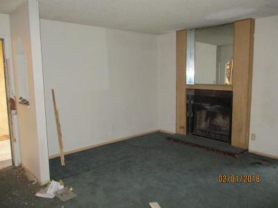 Fresno County Condo/Townhouse For Sale: 1550 W Ashlan Avenue #116