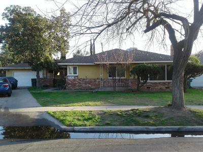 Single Family Home For Sale: 2976 E Andrews Avenue