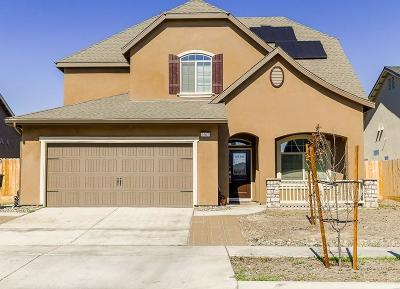 Hanford Single Family Home For Sale: 2002 Hayward