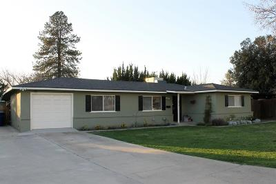 Kingsburg CA Single Family Home For Sale: $219,000