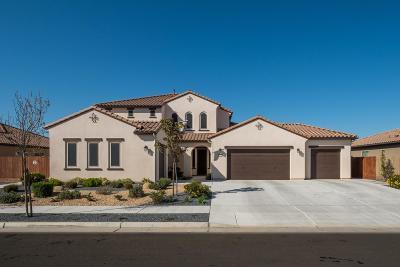 Clovis Single Family Home For Sale: 1272 N Traverse Avenue