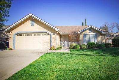 Fresno Single Family Home For Sale: 1894 E Fallbrook Avenue