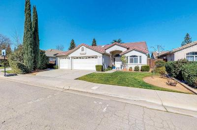Fresno Single Family Home For Sale: 1624 E Waterford Dr. Avenue