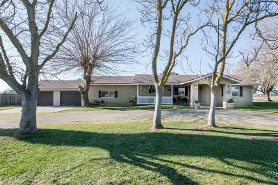 Clovis Single Family Home For Sale: 11683 E Bullard Avenue