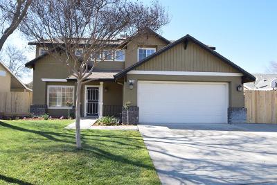 Clovis Single Family Home For Sale: 3254 Megan Avenue