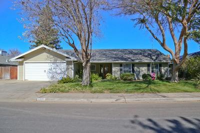 Clovis Single Family Home For Sale: 685 W Polson Avenue