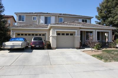 Sanger Single Family Home For Sale: 1021 Pinewood Avenue