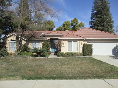 Reedley CA Single Family Home For Sale: $282,000