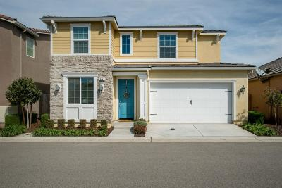Clovis Single Family Home For Sale: 3441 Alcove Way