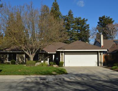 Fresno Single Family Home For Sale: 452 E Shelldrake Circle