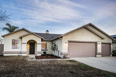 Kingsburg Single Family Home For Sale: 683 W Meadow Lane