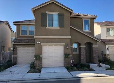 Fresno Condo/Townhouse For Sale: 2107 E Makenna Drive Drive